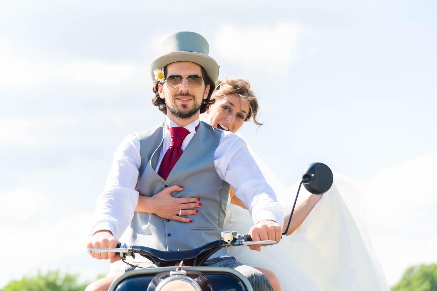 Hochzeitspaar mit Edelstahl-Trauring