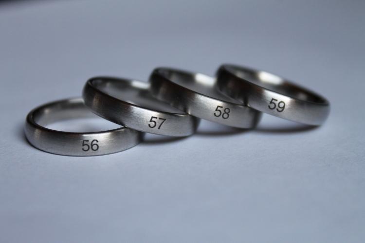 Echte Ringe zur Größenermittlung